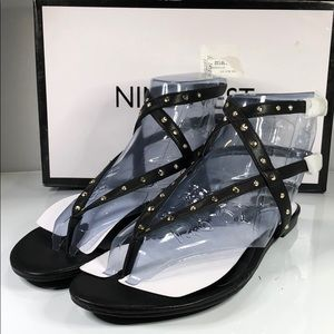 [192] Nine West 8.5 M Simcha Studded Flat Sandals